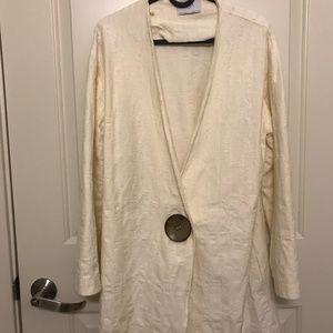 Zara White Blazer with vintage-look wood button